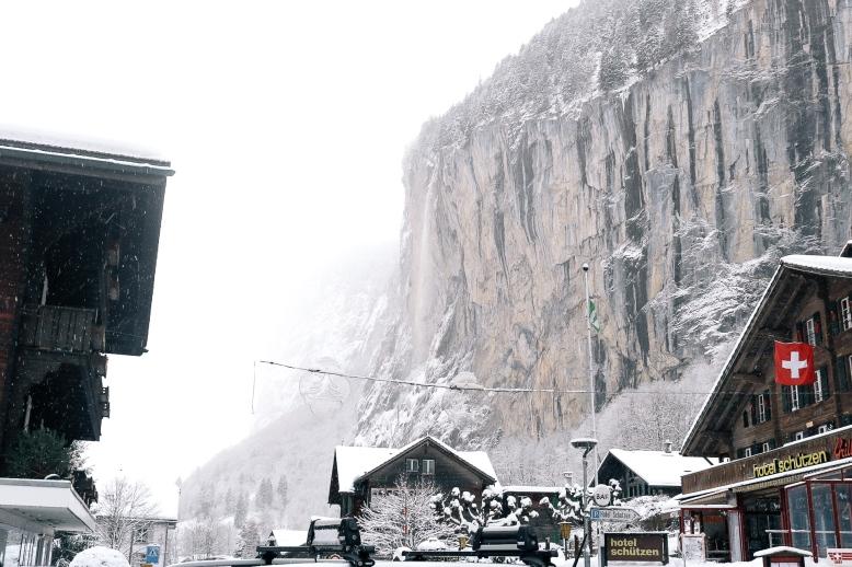 Lauterbrunnen Cliff Edit